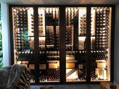 Zabudowane meble na kolekcję wina